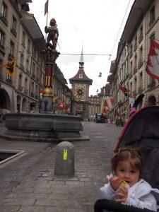 p5111704 2 225x300 - Visita en tren a Berna con bebé o con niños