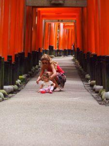 p9143120 1 225x300 - Visita al Fushimi Inari Thaisa a primera hora de la mañana