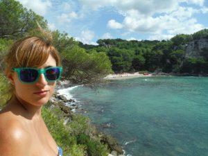 cala macarella 300x225 - Menorca con bebés