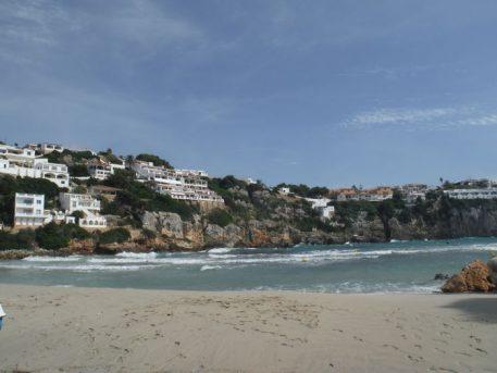 cala porter 457x343 - Menorca con niños o bebés, la guía para disfrutar en familia