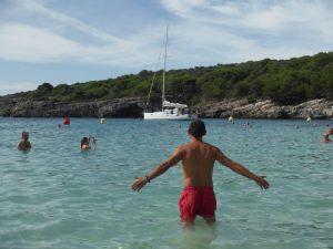 cala turqueta 3 300x225 - Menorca con bebés