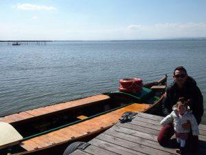 barca albufera 300x225 - Valencia con bebé o niños, nuestro TOP 10 Imprescindibles