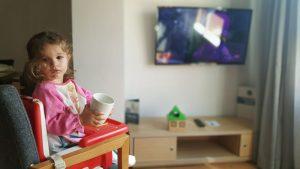 desayunando en valenciaflats 300x169 - Valencia con bebé o niños, nuestro TOP 10 Imprescindibles