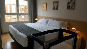 habitación valenciaflats 300x169 - Valencia con bebé o niños, nuestro TOP 10 Imprescindibles