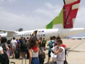 AvionetaTAP 300x225 - Lisboa con amigas, una escapada para no olvidar