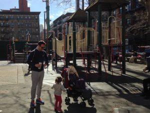 DeSalvio playground 300x225 - Parques infantiles en Nueva York