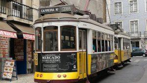 tranvia 28 lisboa 300x170 - Lisboa con amigas, una escapada para no olvidar