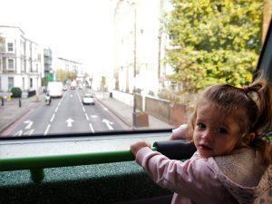 londres bus 2 300x225 - Londres con bebé: Nuestro itinerario de 4 días