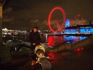 londres noche 2 300x225 - Londres con bebé: Nuestro itinerario de 4 días