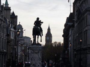 londres plaza museo 2 300x225 - Londres con bebé: Nuestro itinerario de 4 días