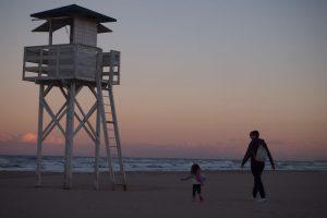 playa gandia 3 300x200 - La playa de Gandía con niños en un hotel todo incluido