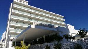 villa luz gandia 300x169 - La playa de Gandía con niños en un hotel todo incluido