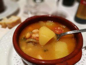 comida morella1 300x225 - Disfrutando Morella en familia. ¿Te animas?