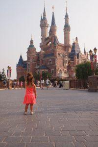 P9185881 200x300 - Un día en Disneyland Shanghái con bebé