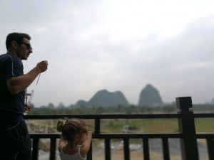 guilin con niños8 300x225 - Descubriendo Guilin y el río Li con bebé