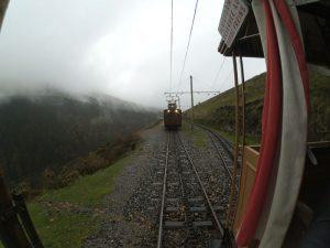 la rhune tren ninos15 300x225 - ¿Te subes al Tren de La Rhune hasta la cima de Larrún?
