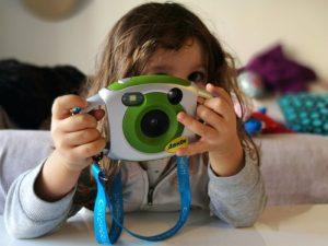 camara digital kids 300x225 - Los mejores regalos para un viajero