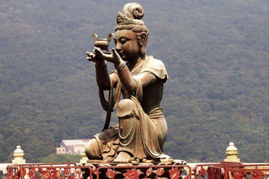 tian tan gran buda 25 533x356 - ¡Subimos al Gran Buda de la isla de Lantau!