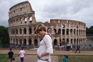 roma niños 14 300x200 - Viajar embarazada ¿si o no? Experiencias de mamás travel bloggers