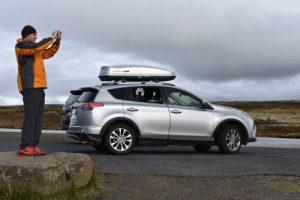 alquiler rav4 islandia 300x200 - Recorrer Europa con tu propio coche, tienes que saber...