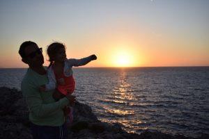 atardecer pont den gil 2 300x200 - Los mejores atardeceres de Menorca para ir con niños