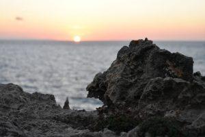 atardecer pont den gil 3 300x200 - 5 Razones para visitar Menorca con niños