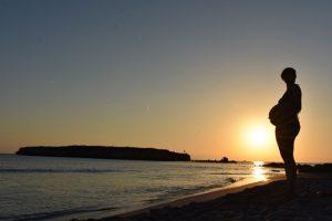 atardecer santo tomas 300x200 - Una tarde de verano en Menorca con niños, ¿qué hacer?