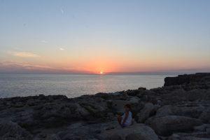 benidali atardecer 300x200 - Una tarde de verano en Menorca con niños, ¿qué hacer?