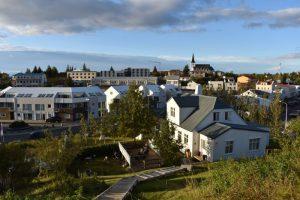borgarnes 2 300x200 - Road trip por Islandia en 7 días con niños