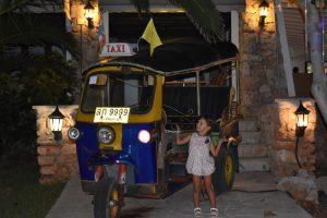 la boyera thai 3 300x200 - Una tarde de verano en Menorca con niños, ¿qué hacer?