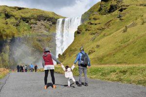 skogafoss 300x200 - Sur de Islandia accesible para embarazadas, niños o bebés