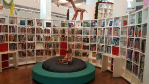 biblioteca amsterdam 300x169 - Ámsterdam en invierno con niños