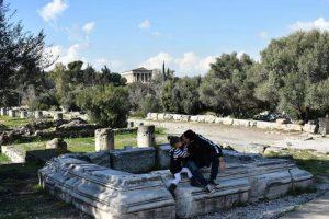 agora atenas2 300x200 - 12 imprescindibles en Atenas con niños