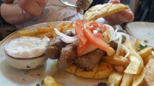 atitamos2 300x169 - ¿Dónde comer en Atenas? Y la gastronomía griega