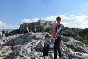 colina areopago acropolis 300x200 - 12 imprescindibles en Atenas con niños