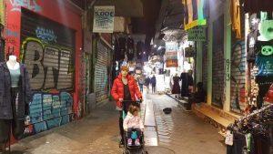 monastiraki1 300x169 - 12 imprescindibles en Atenas con niños