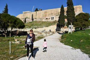 subida acropolis 300x200 - Atenas con bebés o niños pequeños, ¿un error?