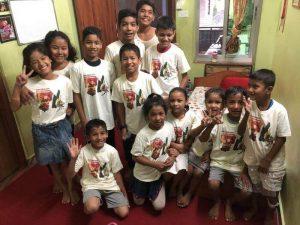 Niñas y niños de Balabalika 1 300x225 - Un viaje solidario a Nepal en familia