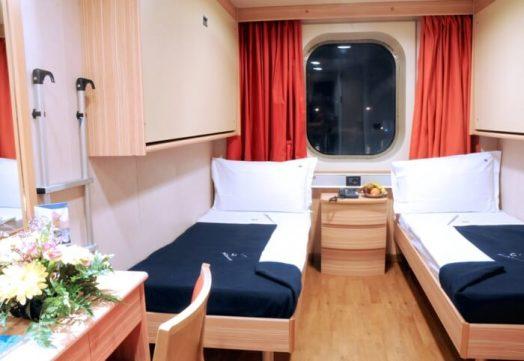 Camarote exterior1 524x361 - De Barcelona a Civitavecchia en el ferry de Grimaldi Lines