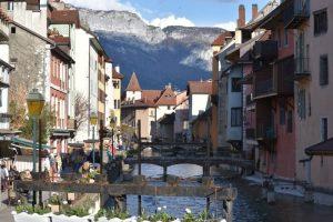 annecy10 300x200 - Annecy con niños en un día, la ciudad medieval más bonita de Francia