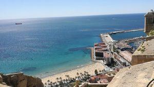 alicante castillo1 300x169 - ¿Visitar en verano Alicante es buena idea?