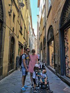 lucca 225x300 - La Toscana con niños y sus 10 imprescindibles