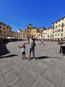 lucca1 225x300 - La Toscana con niños y sus 10 imprescindibles