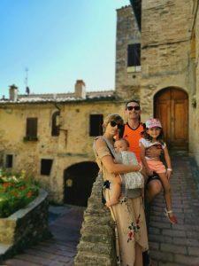 sangiminiagno1 225x300 - Lo mejor de la Toscana en un día desde Florencia con niños