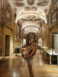 bolonia biblioteca 225x300 - Bolonia en un día con bebés o niños pequeños