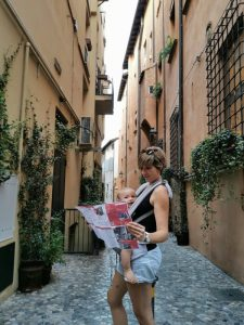 bolonia calles3 225x300 - Bolonia en un día con bebés o niños pequeños