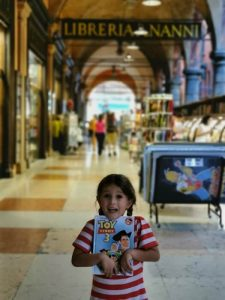bolonia libreria 225x300 - Bolonia en un día con bebés o niños pequeños