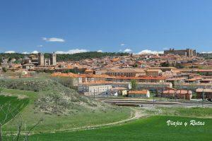 Siguenza1 300x200 - Viajes en tren por España, experiencias inolvidables por Travel Bloggers