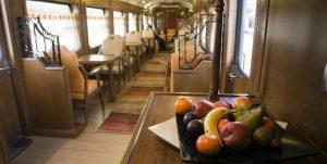 expresorobla1 300x151 - Viajes en tren por España, experiencias inolvidables por Travel Bloggers