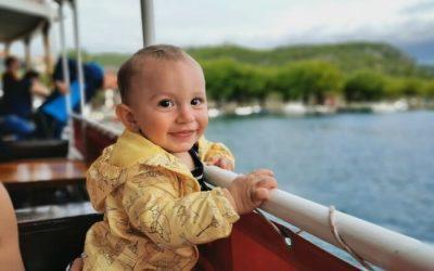 krka barco 400x250 - Viajando con Chupetes, un Blog de padres viajeros